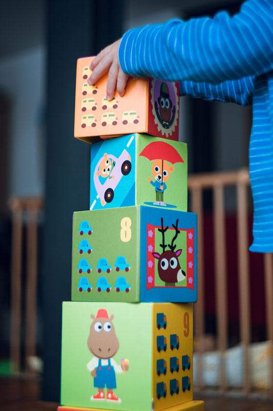 cherche nounou lyon jeunes filles exp riment es pour garde d 39 enfants. Black Bedroom Furniture Sets. Home Design Ideas