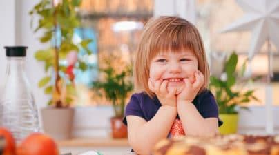 image enfant garde d'enfant à domicile lyon villeurbanne