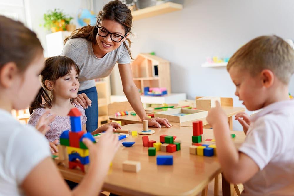 garde d'enfant à domicile lyon éducation positive